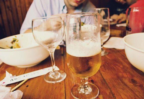 Cannabis & Alcool: Cosa rischio a mischiarli
