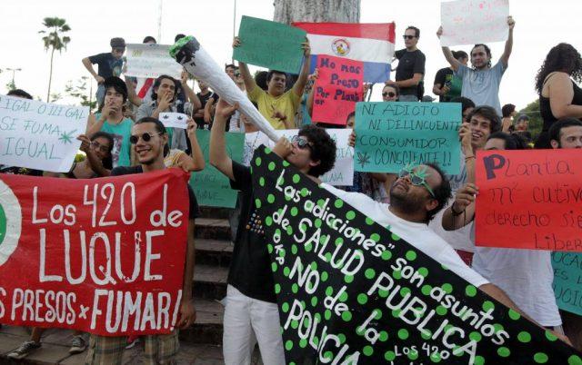 manifestazione legalizzazione cannabis medica in paraguay