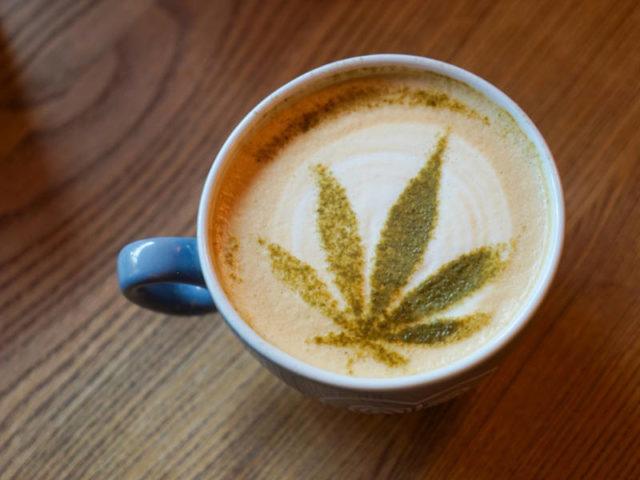 combinazione di caffè e cannabis