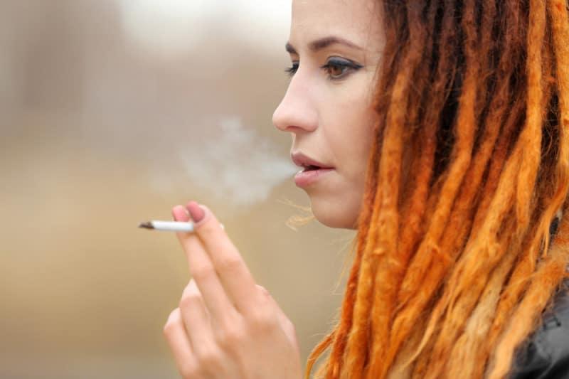 eliminare odore sigarette